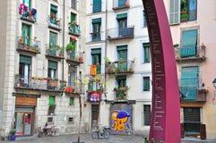 巴塞罗那街道典型的房子  免版税库存图片