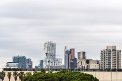 巴塞罗那,西班牙摩天大楼地平线  免版税库存图片