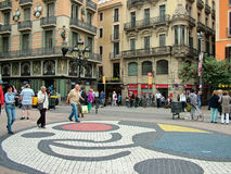 巴塞罗那,西班牙, 2015年9月30日-在Las Ram的胡安・米罗马赛克 免版税库存照片