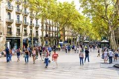 巴塞罗那,西班牙- 2015年9月15日:兰布拉--步行街道 免版税库存照片