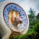 巴塞罗那,西班牙- 2016年9月10日:喷泉马赛克在2016年9月10日的公园Guell在巴塞罗那,西班牙 免版税库存照片
