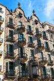巴塞罗那,西班牙- 2016年4月18日:安置门面住处Calvet,设计由安东尼奥Gaudi 图库摄影