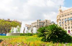 在placa de Catalunya -著名正方形的喷泉在巴塞罗那 库存照片