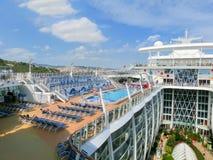 巴塞罗那, Spaine - 2015年9月06日:皇家加勒比,海的魅力 库存图片