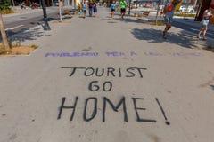 巴塞罗那 在路的街道画抗议 库存照片