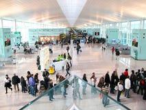 巴塞罗那-12月10日:巴塞罗那新的机场的霍尔  库存照片