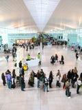 巴塞罗那-12月10日:巴塞罗那新的机场的霍尔  免版税库存图片