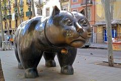 巴塞罗那-11月21日 雕塑El Gato de 免版税库存照片