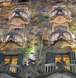 巴塞罗那batllo住处晚上 库存照片