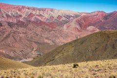 塞罗Hornocal,胡胡伊,阿根廷:14种颜色山在北部阿根廷 免版税库存照片