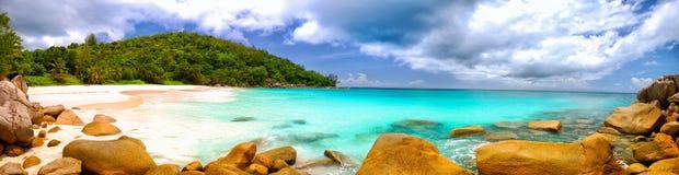 塞舌尔群岛海滩全景 免版税图库摄影