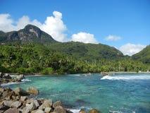 塞舌尔群岛-口岸Glaud盐水湖 免版税图库摄影