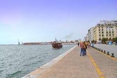 塞萨罗尼基沿海船 免版税库存图片