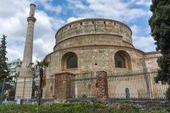 塞萨罗尼基,希腊- 2017年9月30日:圆形建筑的罗马寺庙在市的中心塞萨罗尼基,中马其顿 免版税图库摄影