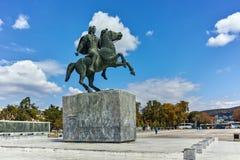 塞萨罗尼基,希腊- 2017年9月30日:在市的堤防的亚历山大大帝纪念碑塞萨罗尼基 库存图片