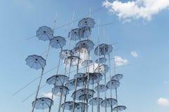 塞萨罗尼基,希腊- 2016年9月04日:在塞萨罗尼基沿海岸区的伞艺术 免版税库存图片