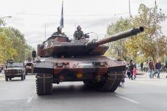 塞萨罗尼基,希腊- 2016年10月28日:Oxi天希腊陆军坦克游行 免版税图库摄影