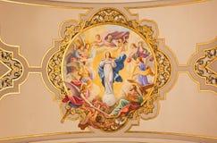 塞维利亚-作为完美的构想的壁画圣母玛丽亚在天花板在教会Basilica de la Macarena里 库存照片