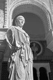 塞维利亚-古色古香的雕象Pallas Pacifera的拷贝在Casa de Pilatos庭院里  免版税库存照片