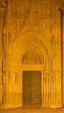 塞维利亚-在普埃尔塔de在大教堂de圣玛丽亚de la塞德的los帕洛斯的三个魔术家场面 库存照片