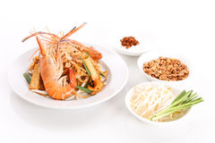 填塞泰国,混乱油煎的米线盘用虾 免版税库存图片