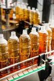 填装的瓶用汁液 库存图片