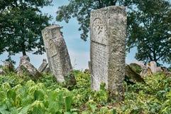 墓碑在犹太公墓 图库摄影