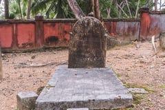 墓碑在老犹太公墓在布拉格 库存图片