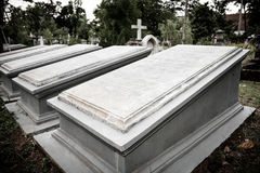 墓碑在非常老公墓博物馆Prasasti 免版税图库摄影