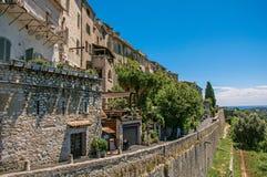 墙壁、房子和商店全景圣徒保罗deVence的 免版税库存图片