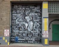 42墙壁上的正面艺术222,深Ellum,得克萨斯 免版税库存照片