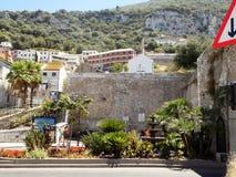 墙壁和庭院直布罗陀 免版税库存图片