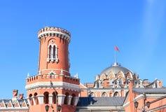 墙壁和Petrovsky旅行的宫殿墙壁塔在莫斯科 库存图片
