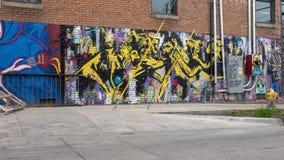 42墙壁壁画,无提名的超现实主义的狂放的狮子题材,深Ellum,得克萨斯 免版税库存照片