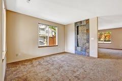 墙壁房子内部的设计想法 瓦片修剪 免版税库存图片