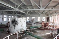 墙壁是设计被放弃的大厦的老照片 库存照片