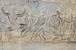 墙壁显示从印度史诗的其中一个吴哥窟画廊情节 库存图片