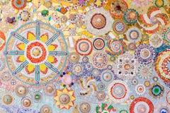 墙壁用瓦片和小珠,纹理背景装饰 库存图片
