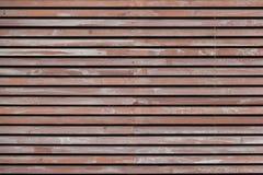 墙壁由棕色木板条制成 免版税图库摄影