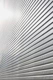 墙壁的纹理由巨大的aluminu制成金属镀层  库存图片