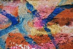 墙壁,镇压背景,五颜六色的街道画在威尼斯,意大利 免版税库存图片
