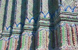 墙壁细节装饰在盛大宫殿 免版税库存图片
