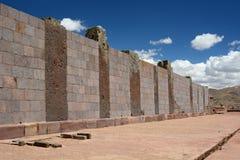 墙壁 蒂亚瓦纳科考古学站点 流星锤 免版税库存图片