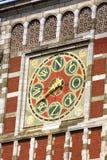 墙壁compas美好的细节在阿姆斯特丹中央火车Stati的 库存图片