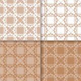 墙纸套与花饰的棕色米黄无缝的样式 库存图片