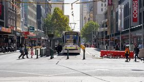 墨尔本市圈子电车服务在中央b经营 免版税库存图片