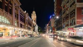 墨尔本市在碎片街道上的夜间流逝 股票录像