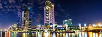墨尔本美丽的景色街市横跨亚拉河在 免版税图库摄影