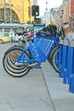 墨尔本自行车份额每天允许在火车站之间的无限的30周详乘驾从$3 免版税图库摄影
