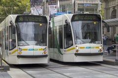 墨尔本,澳大利亚3月18日:在Bourke str的电车 免版税库存图片